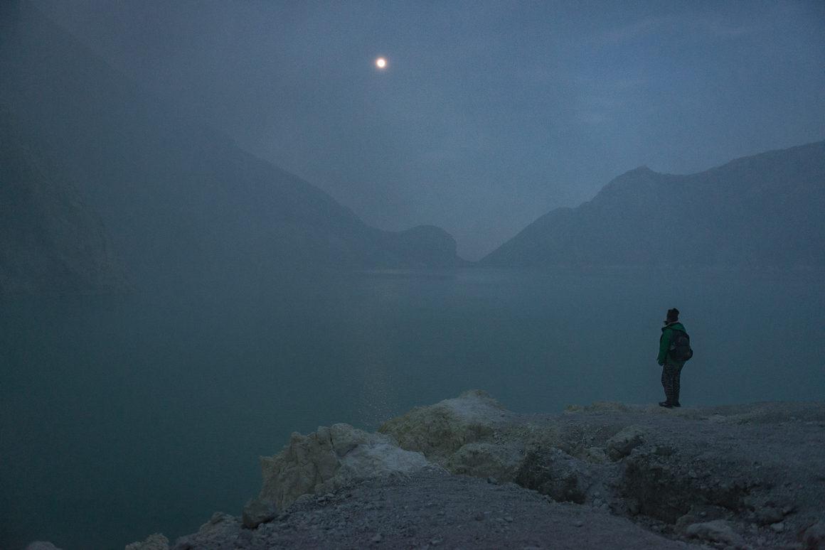 Wyprawa na Ijen - Martyna nad kwaśnym jeziorem