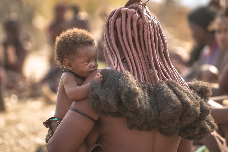 Kobieta Himba z dzieckiem